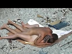 Any time lets fuck: Guy and his girlfriend quickie in a public nude beach