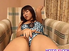 Rei Himekawa plays alongside pussy under openwork