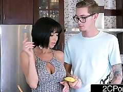 Passionate Blowjob from Big Tit MILF Veronica Avluv