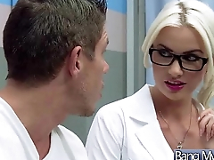 Sex Between Hot Sexy Patient And Sweltering Doctor (gigi allens) vid-15