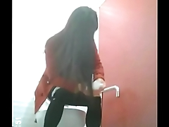KOREA1818.COM - Real Korean girl bathroom footage