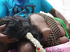 NEWLY MARRIED INDIAN COUPLE ENJOYING SEX IN Guest-house ROOM