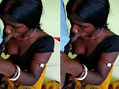 Today Exclusive-Desi Bhabhi Sucking Dewar Dick While Hubby Not in Home