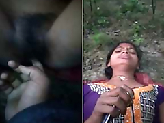 Today Exclusive- Desi Village Girl Out Going in Pussy Fingering By Bf