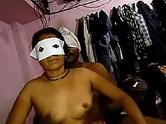 Desi young couple fucking in bedroom wid audio