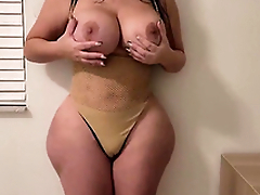 Getting seduced unconnected with my girlfriend's slutty thick MILF XXX mom