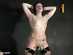 Tit whipping and pussy pain of struggling slave Isabel Dean in hardcore onus p